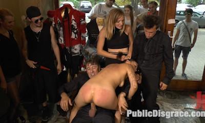 Porno Virginty taken with a Public Double Penetration
